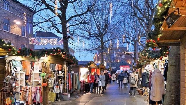 york-christmas-market-light